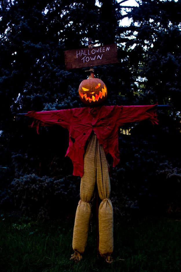 Scary Jack O' Scarecrow | Fun Scarecrow Ideas To Make For Halloween And All Year Round