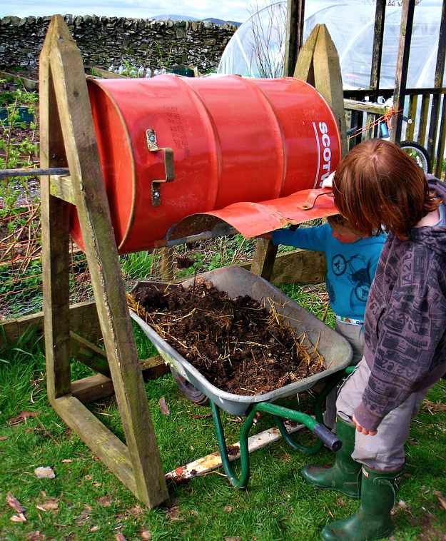 DIY Steel Drum Compost Tumbler | Homemade Compost Tumblers For Your DIY Composting Project