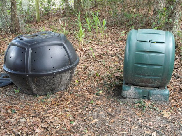 Check out 13 Homemade Compost Tumblers For Your DIY Composting Project at https://homesteading.com/compost-tumblers/